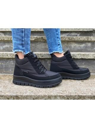 Женские зимние ботинки черные на шнурках
